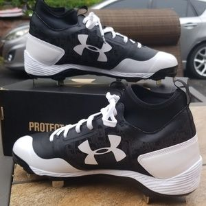 4a53a237f4 Underarmour heater mid ST baseball cleats NWT